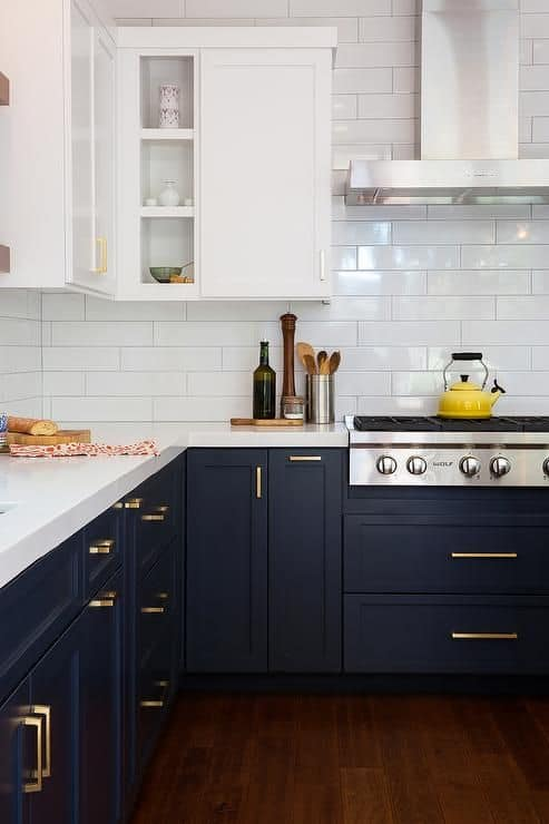 TRENDY TUESDAY: NAVY BLUE CABINETS